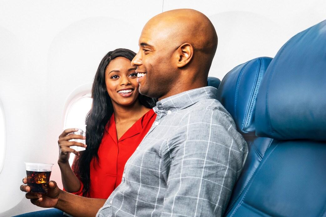 Vuele con delta compare clases de vuelo y servicios for Cabina principale delta